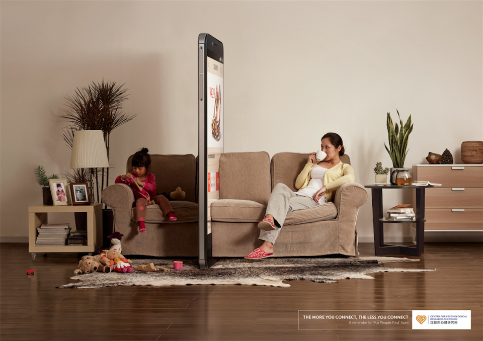 Accro à votre smartphone ? cette campagne pub est pour vous