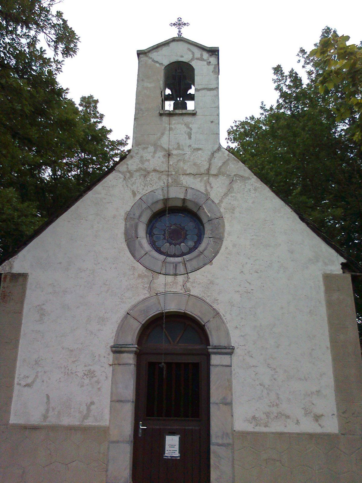 La chappelle notre Dame des Neiges, au nord de Ris
