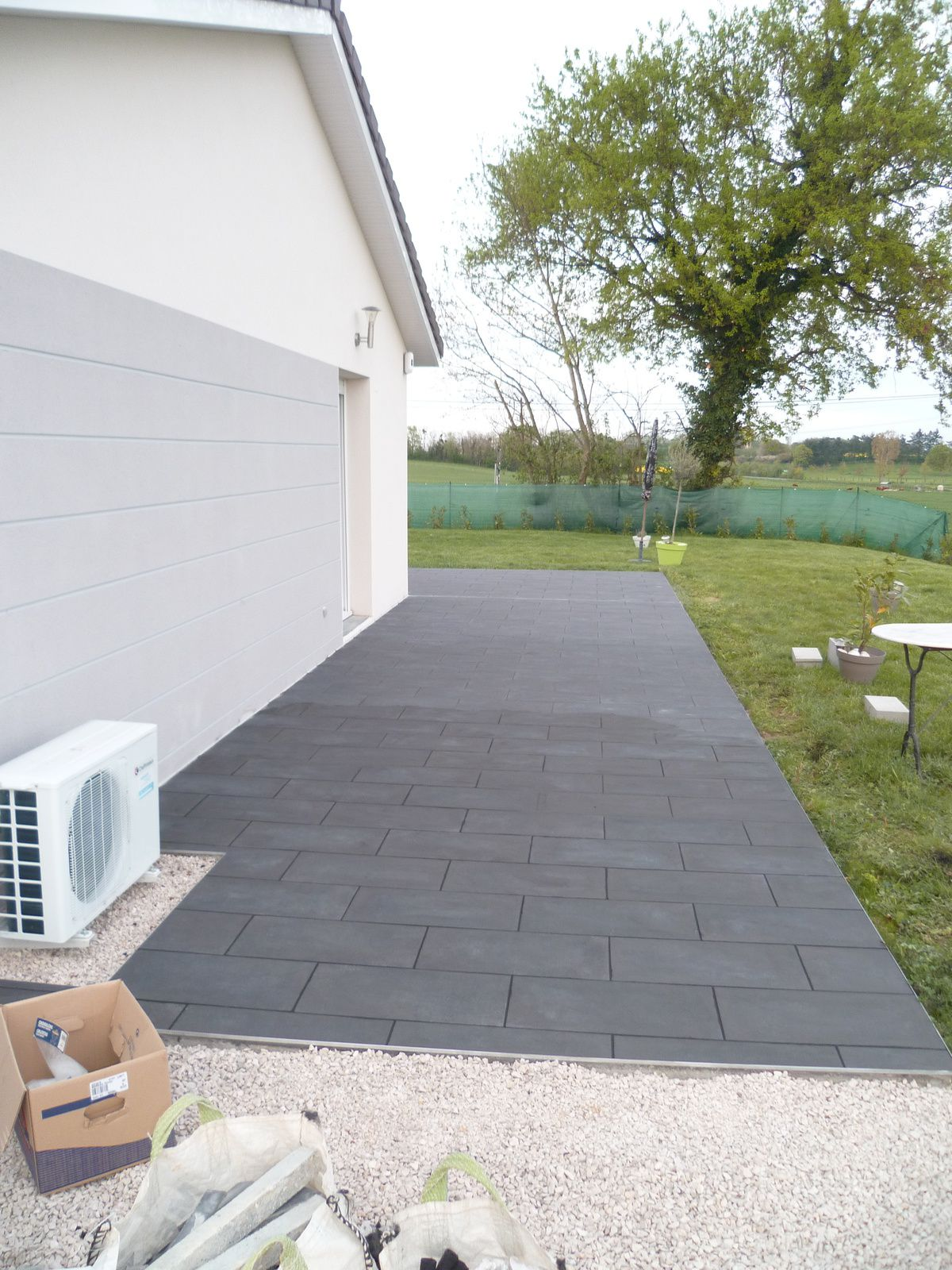 Pose carrelage sur dalle beton exterieur carrelage for Carrelage imitation caillebotis