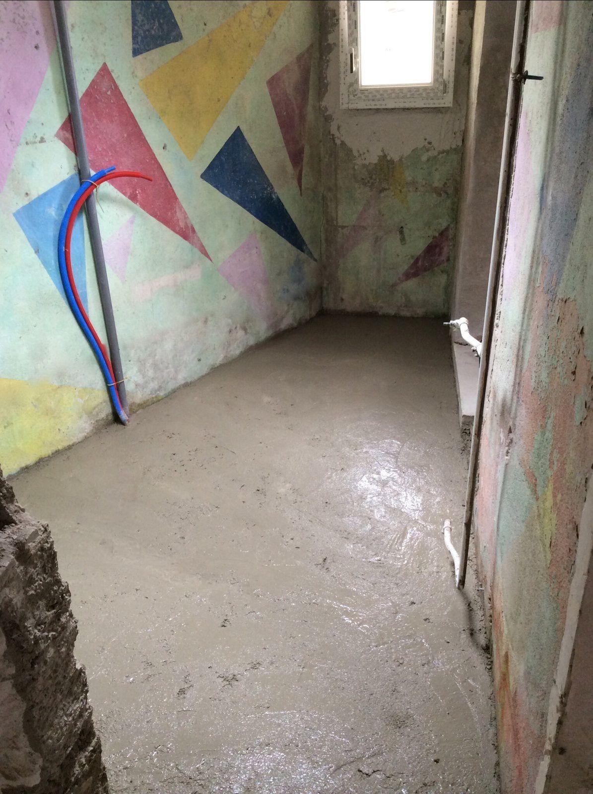 Coulage de la dalle salle de bains r novation d 39 une for Idees renovation maison marseille