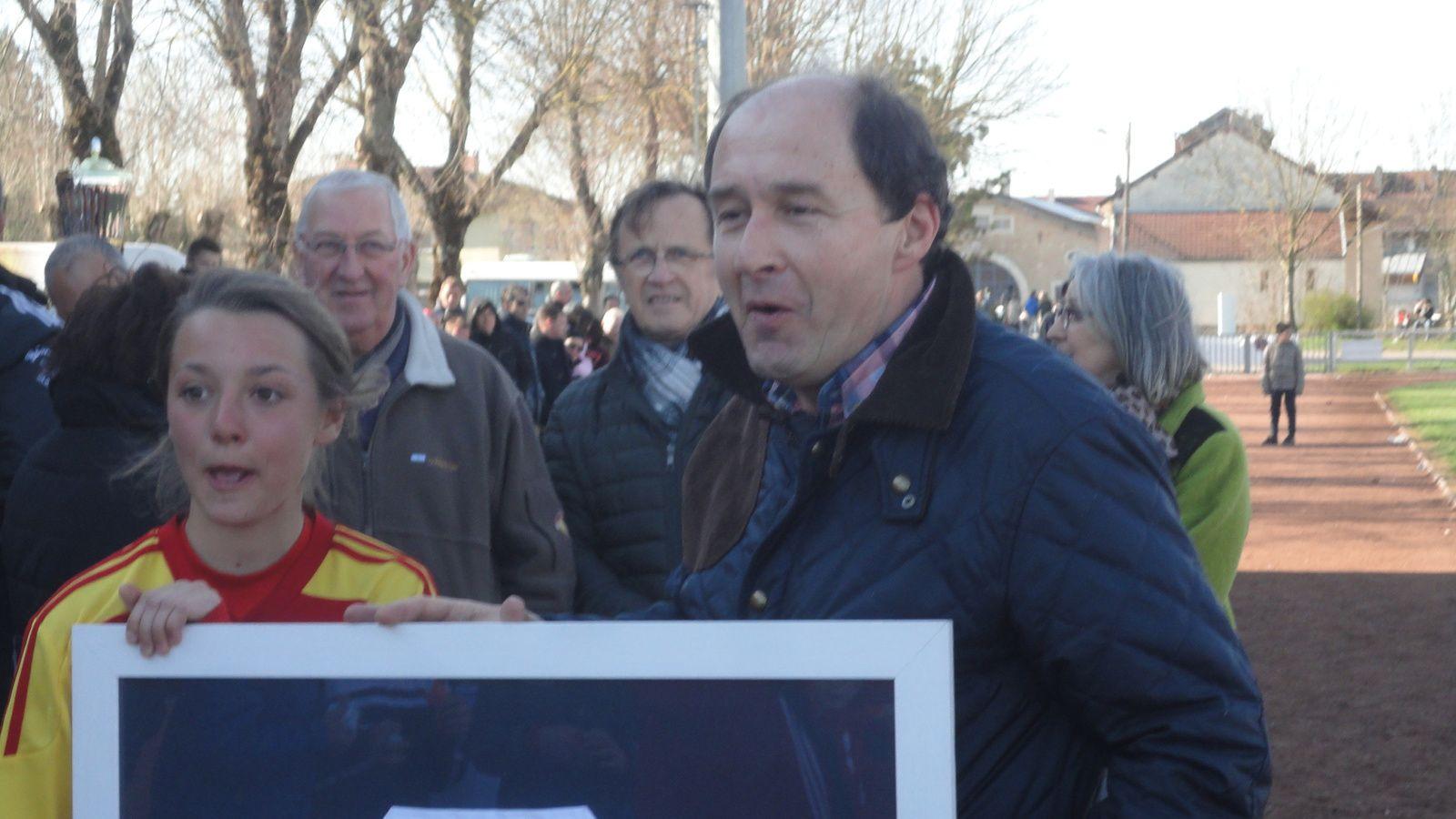 Notre Ami Denis Trossat est toujours fidèle à Bresse Jura Foot malgré ses hautes et accaparantes responsabilités parisiennes!