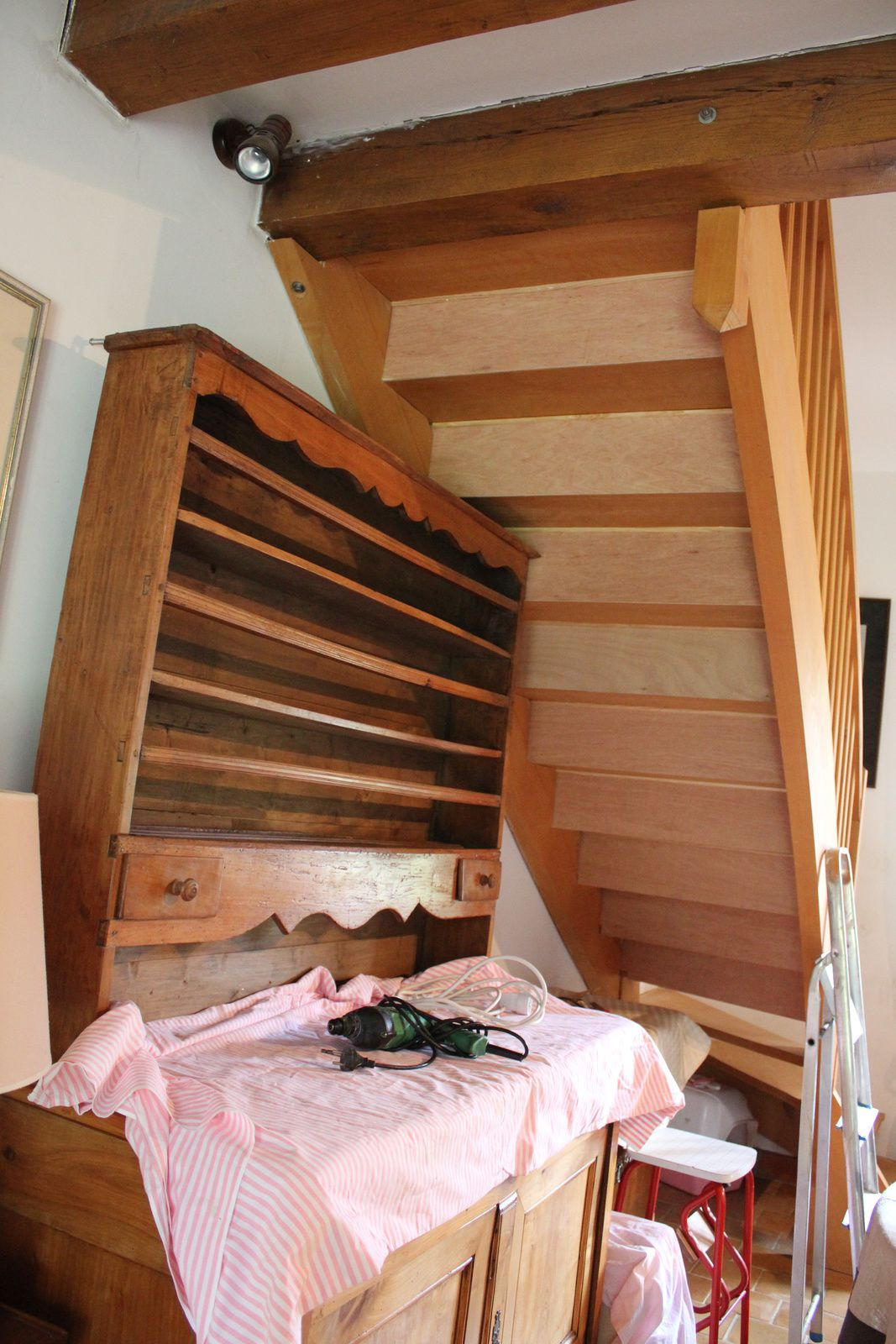 metamorphoser un escalier poser des contremarches With peindre des escalier en bois 3 metamorphoser un escalier poser des contremarches