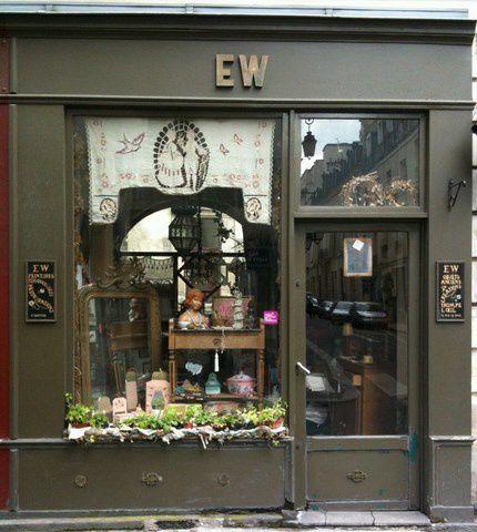 Boutique EW rue Saint Paul - Magasin Deyrolle rue du Bac, et ses collections.
