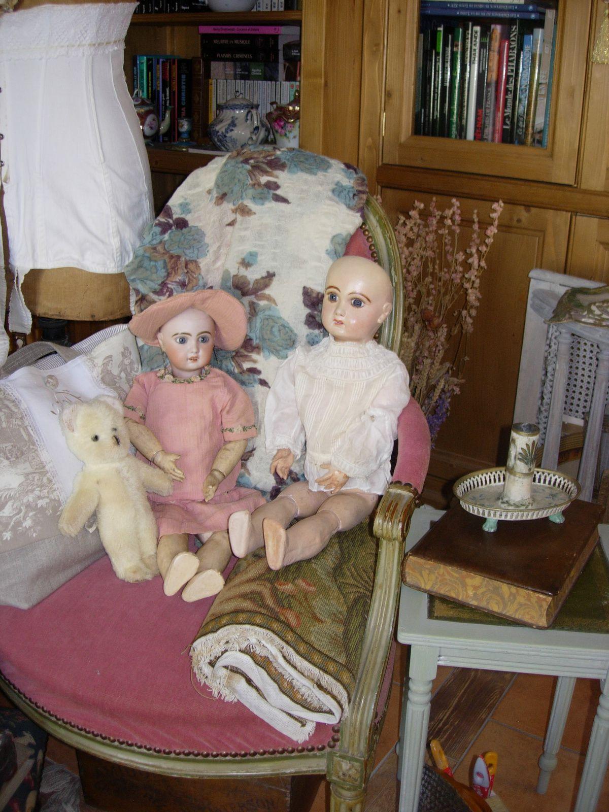 Adoption de deux poupées Jumeau (jumelles...)
