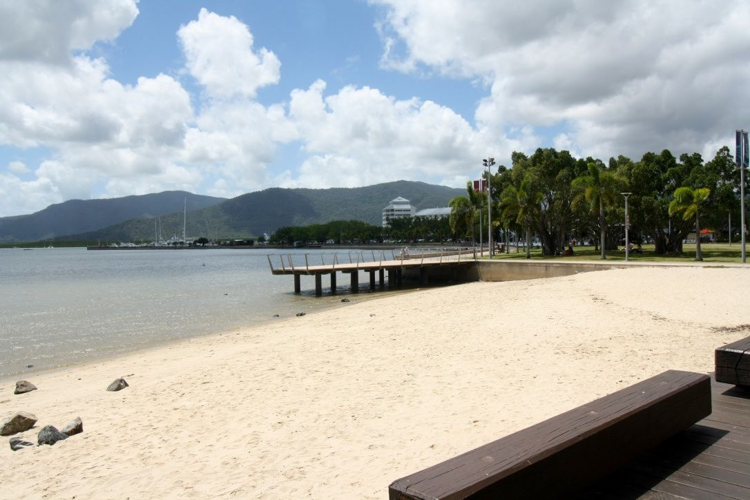 To &amp&#x3B; Cairns