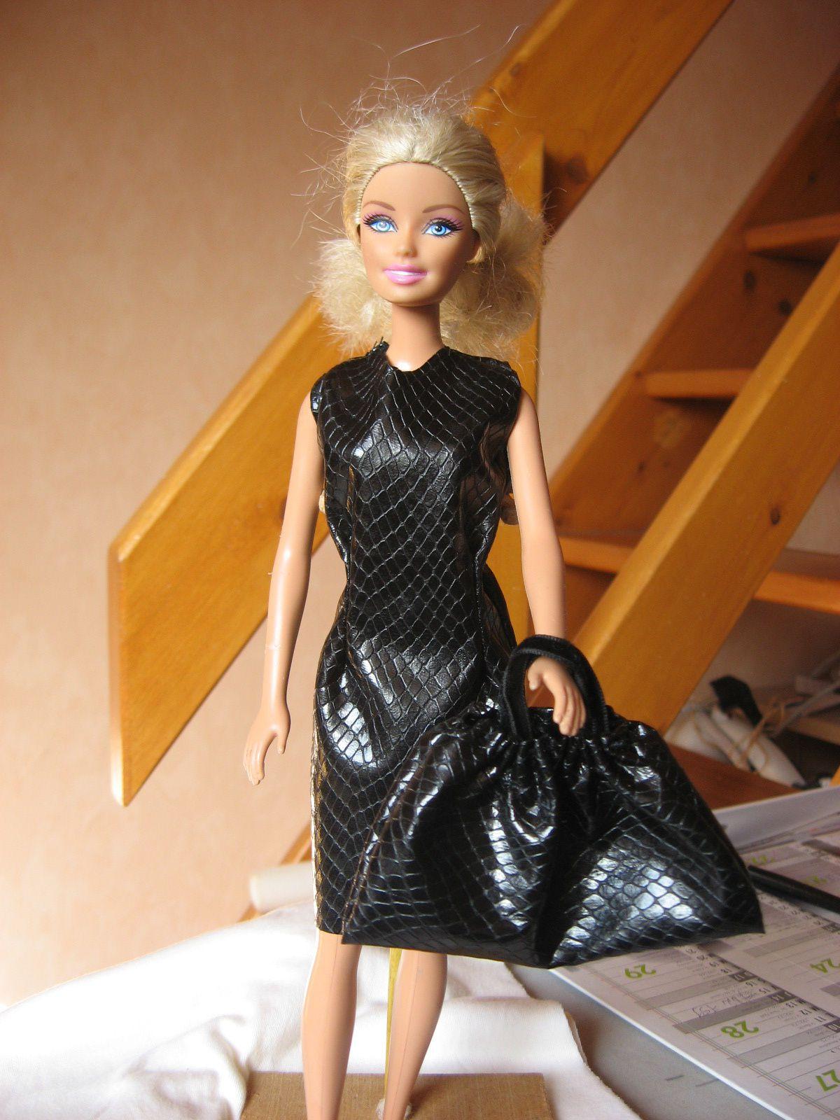 vetements barbie les tutos de pamina. Black Bedroom Furniture Sets. Home Design Ideas