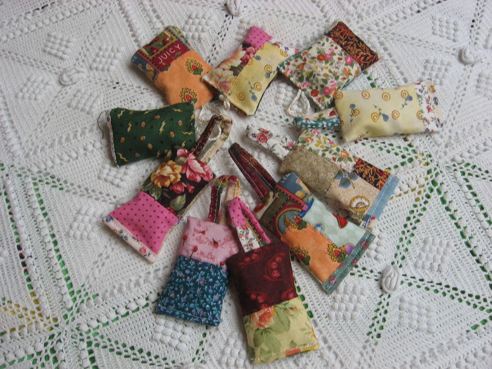 Porte-clefs en patchwork parfumés..ou comment recycler..