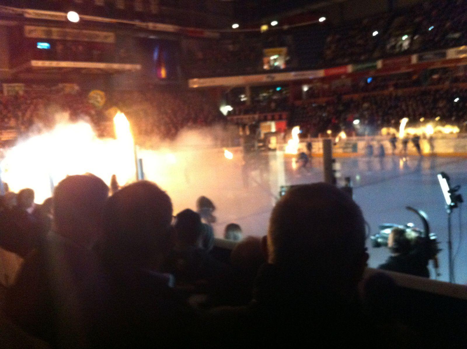 L'équipe de Karlstad arrive sur la glace