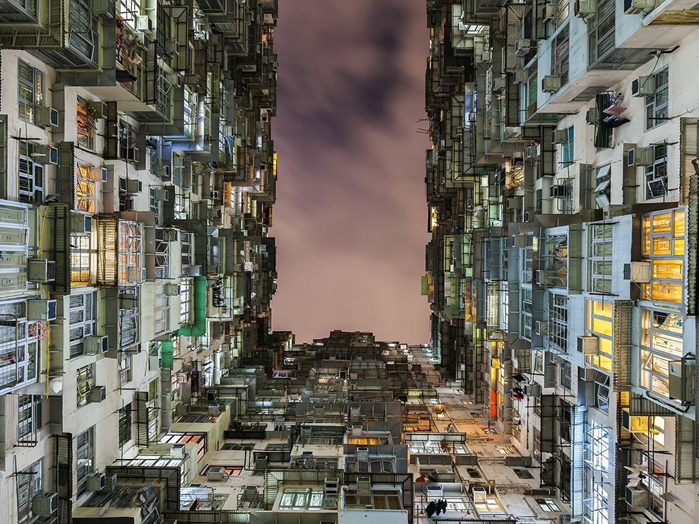Source: http://photography.nationalgeographic.com/photography/photo-of-the-day/hong-kong-architecture-night/