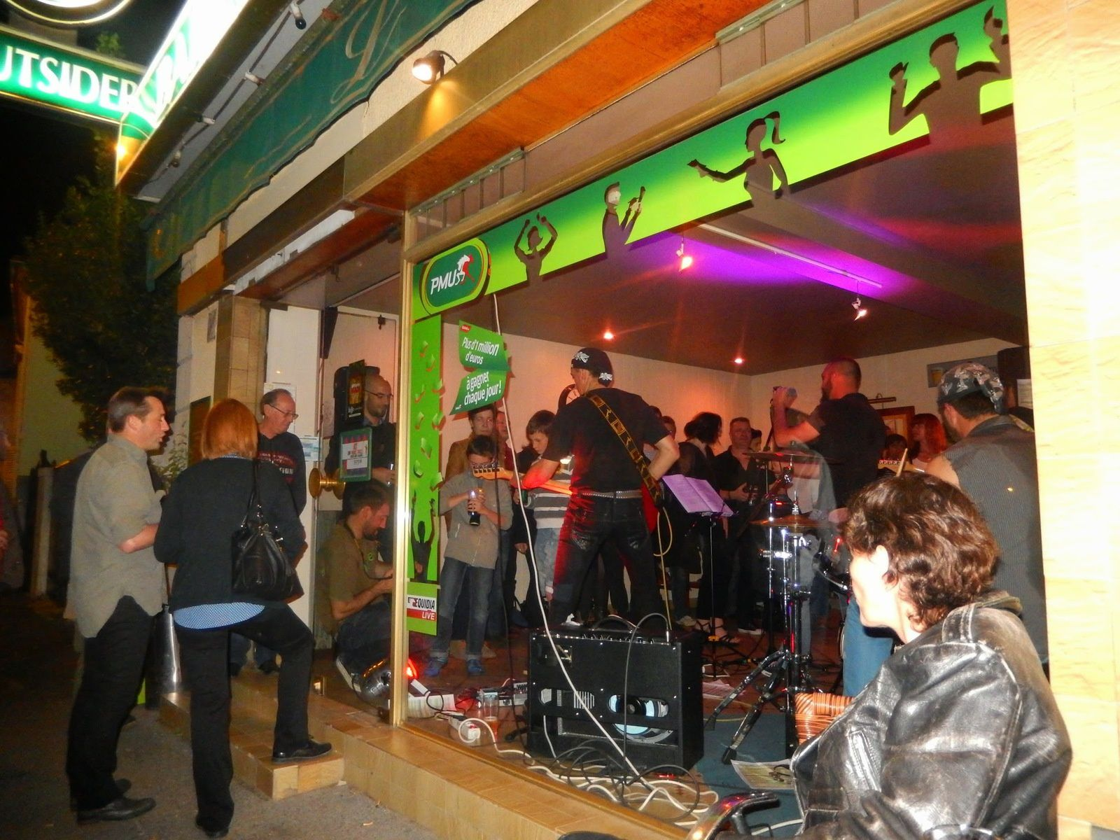 a Concert bar l'OUTSIDER à JURANCON Avril 2015