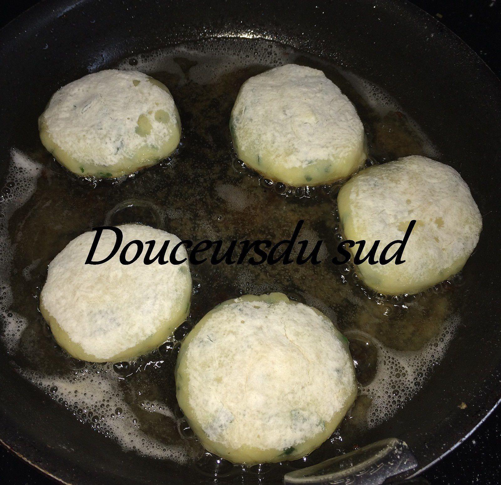Croquettes de pommes de terre fourrés (Maakouda)