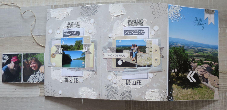 Un exemple de page... du plâtre, des pochettes en plastique...