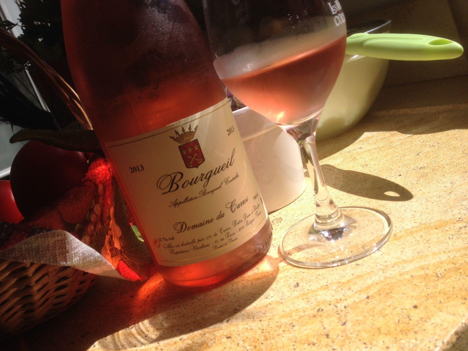- Du cabernet franc pour ce  bourgeuil rosé du Domaine du Carroi de Bruno Breton. On est là dans un registre de rosé vineux, plein de caractère, sur des notes de groseilles, de prunes rouges à peine mûres, de rhubarbe et sur une finale équilibrée. A ouvrir pour accompagner mâchon et repas estival  5,70 euros.