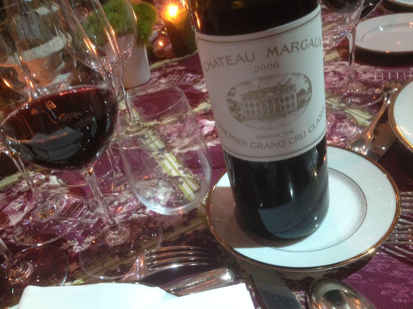 À Château Margaux, petites lampées de gala pour inaugurer le nouveau chai ...