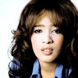 RONNIE SPECTOR ARTISTE CULTE… MAIS NÉANMOINS HAS BEEN