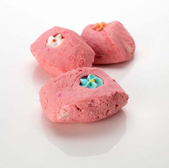 Au pays de Candy – pain moussant, à glisser dans le bain colore et parfume le bain
