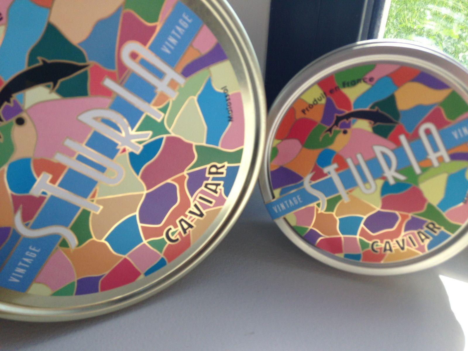 Le caviar Sturia et sa jolie boîte colorée