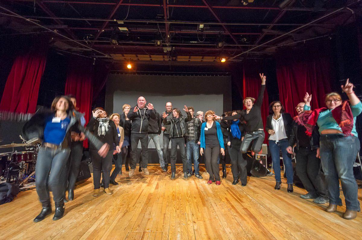 """Soirée des bibliothécaires : BD-Concert Au vent mauvais par """"The Hyènes"""" : La Présentation"""