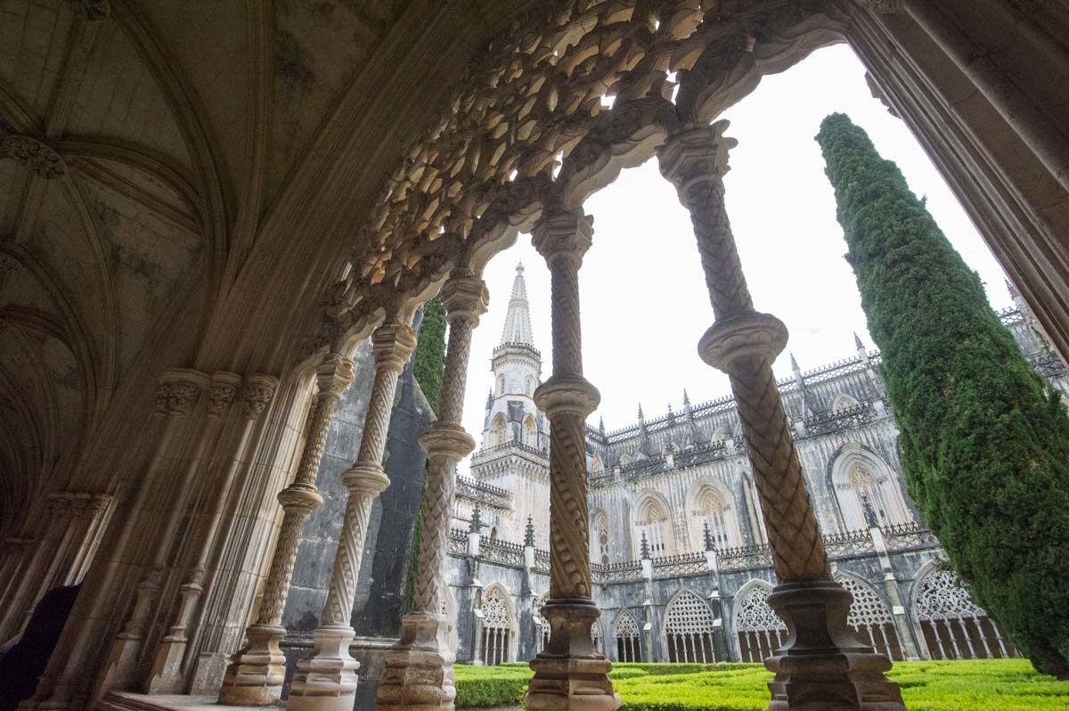 PORTUGAL 26 avril 2015 : Le Monastère de Batalha et le sanctuaire Notre-Dame de Fatima