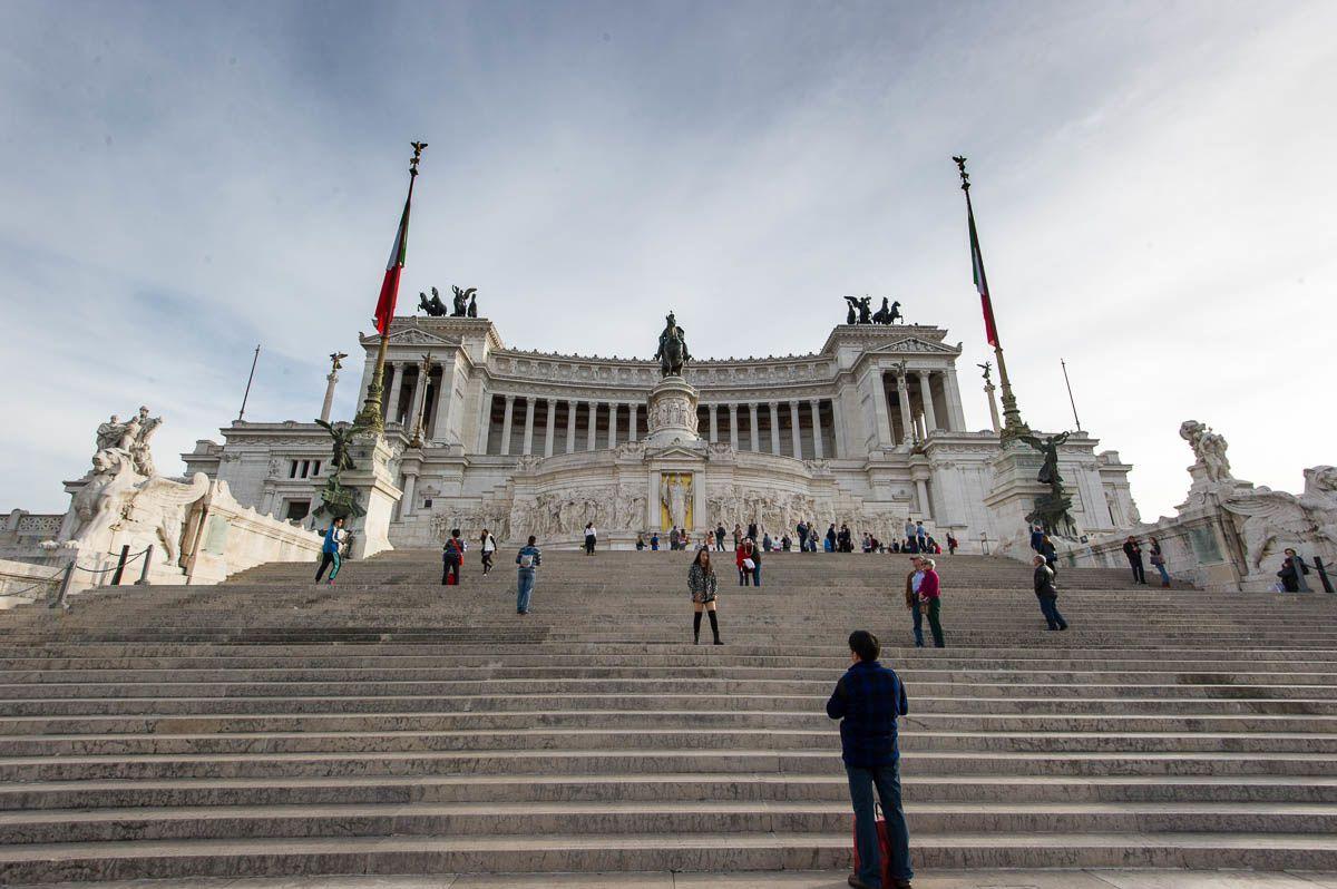 Piazza Venezia : Le Vittoriano et le Palazzo Venezia