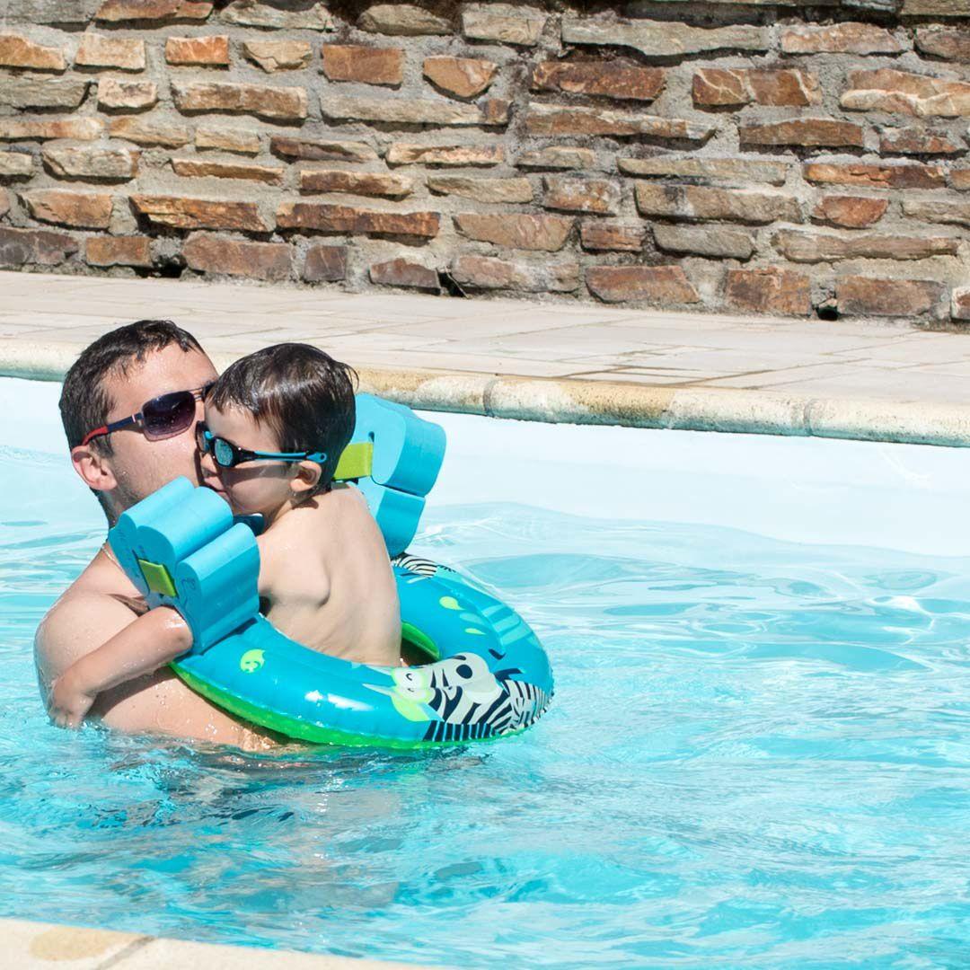 Raphaël à la piscine