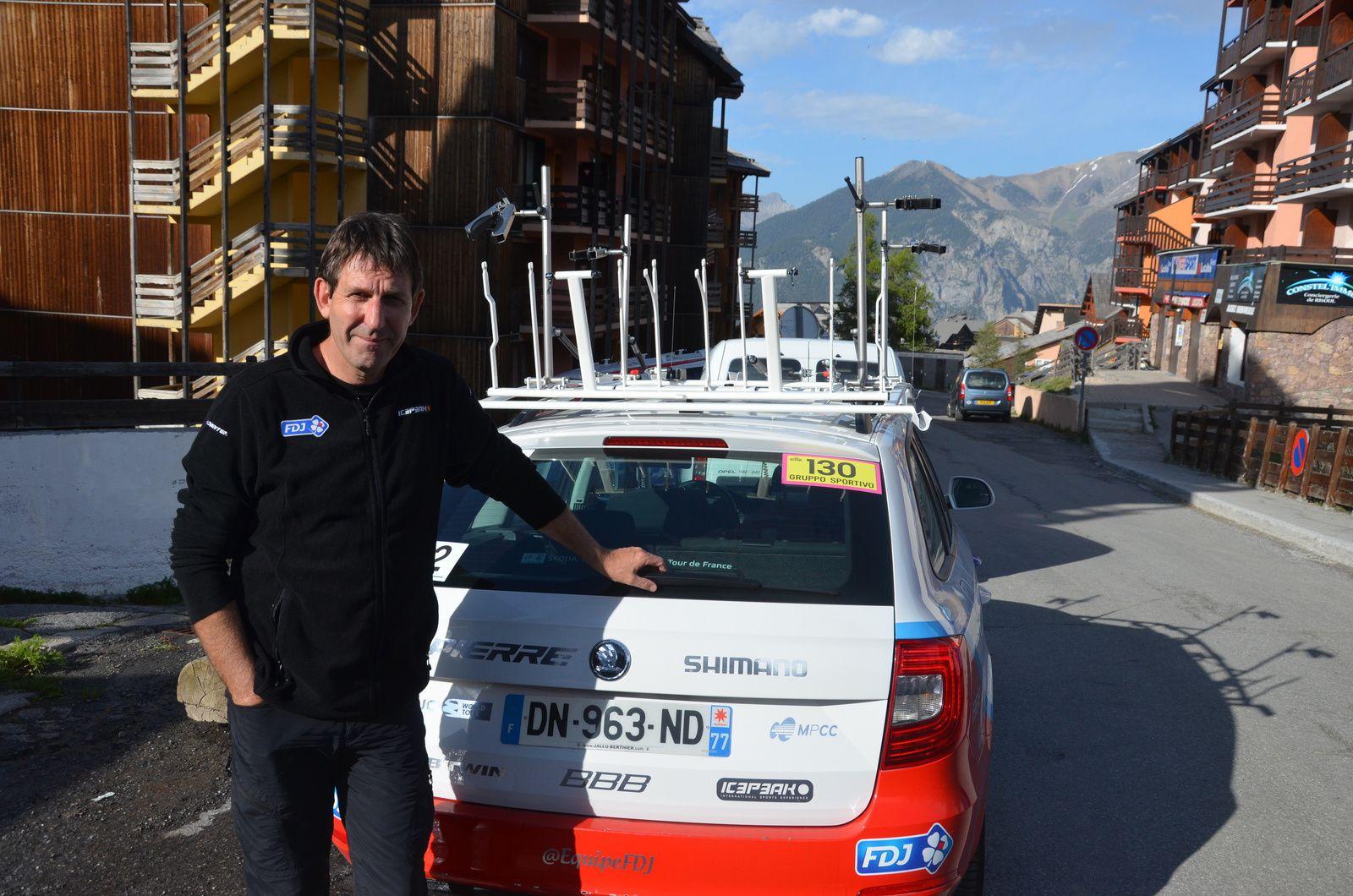 Martial GAYANT, directeur sportif de la FDJ sur le Giro.