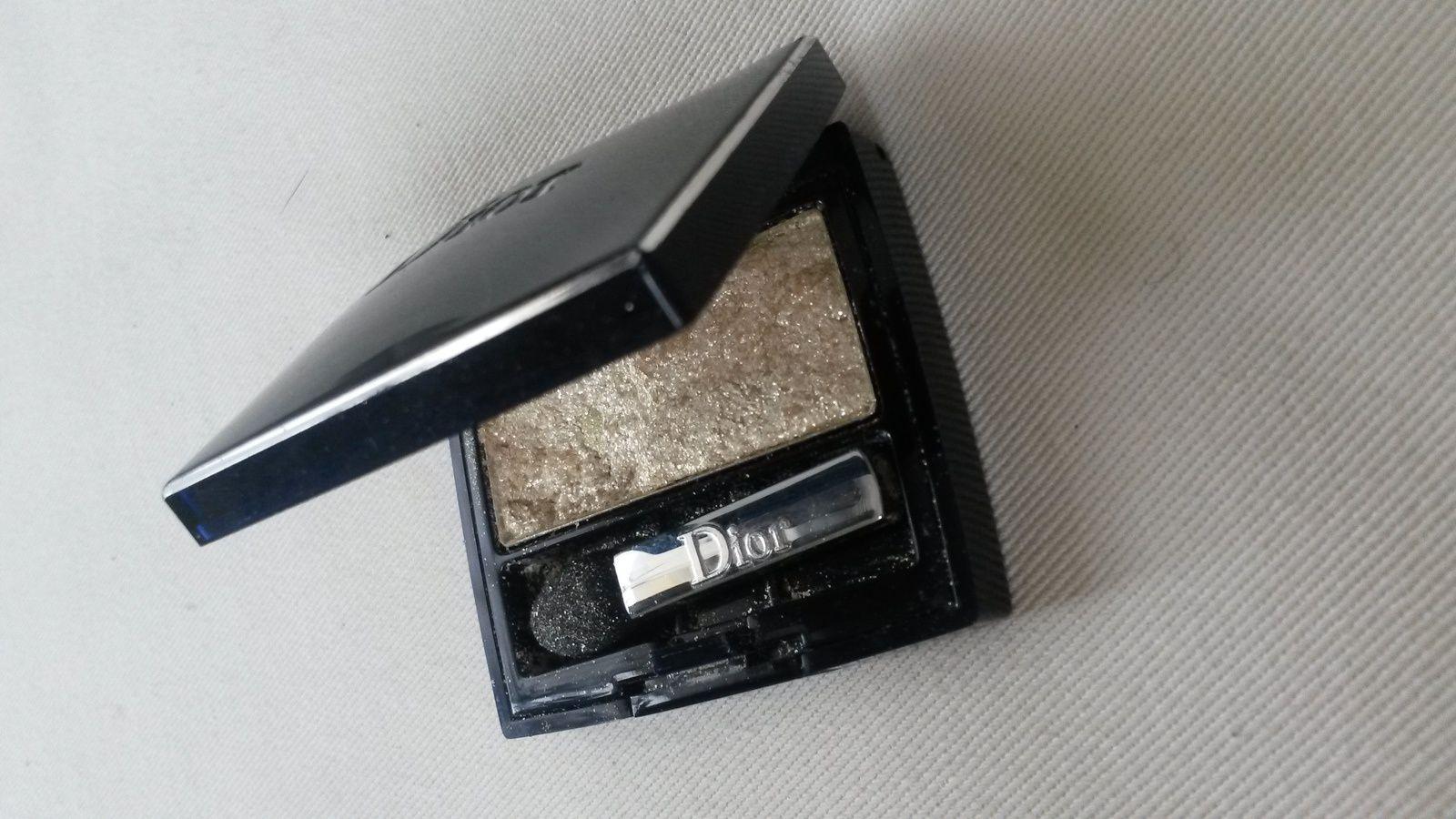 Mon pauvre fard à paupière qui part en lambeaux! Fard à paupières impact couleur effet lissant 616 Golden Spotlight-Dior