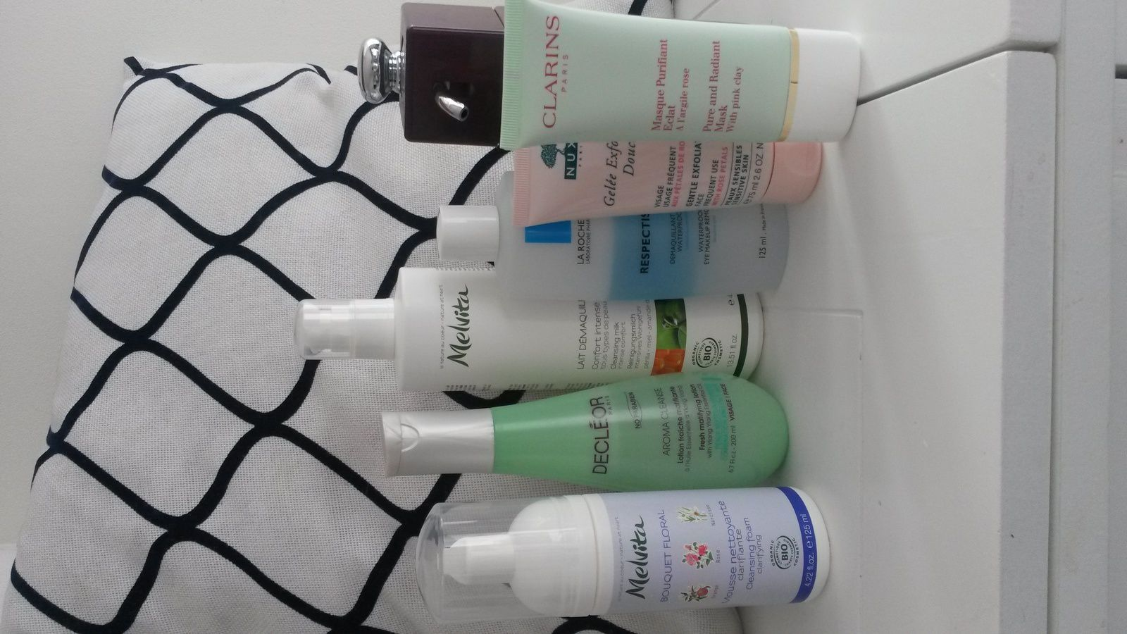 Routine beauté 1ère partie : on se démaquille, on nettoie, on tonifie, on exfolie, et on masque!