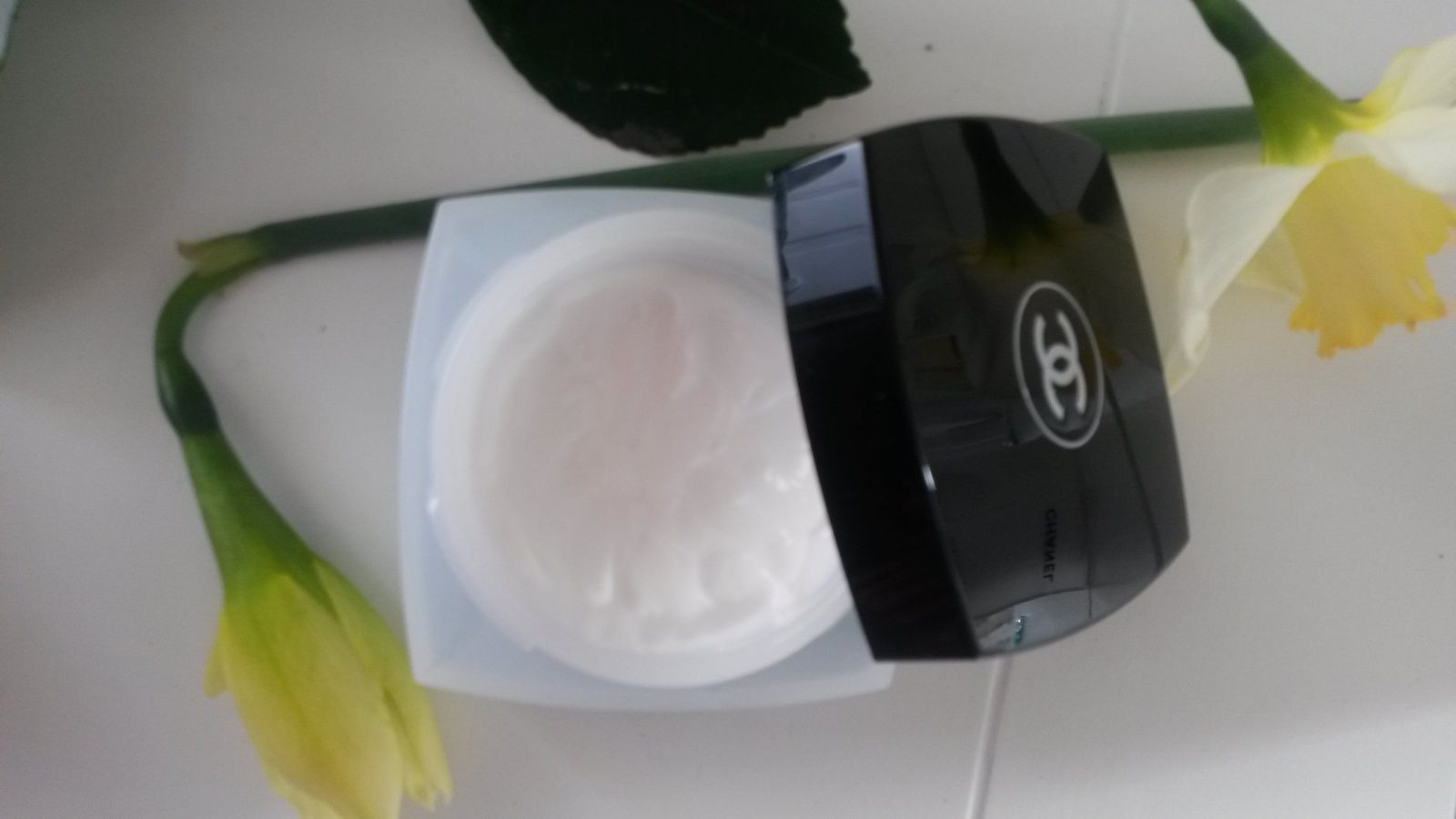 HYDRA BEAUTY CREME - Chanel