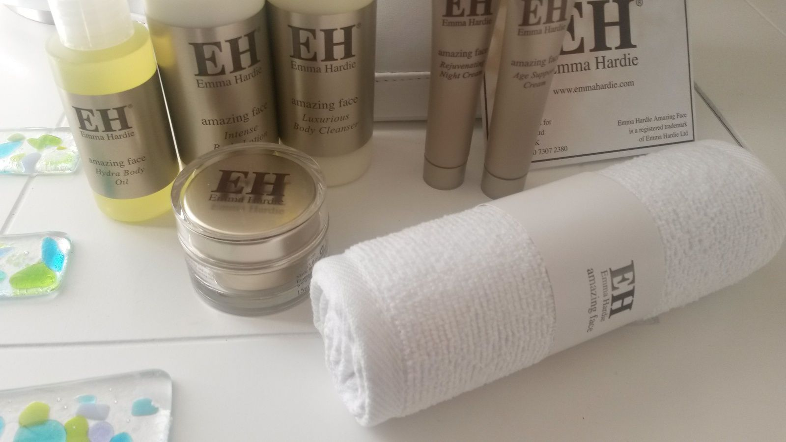 Emma Hardie Luxury Superskin Face & Body Hamper !