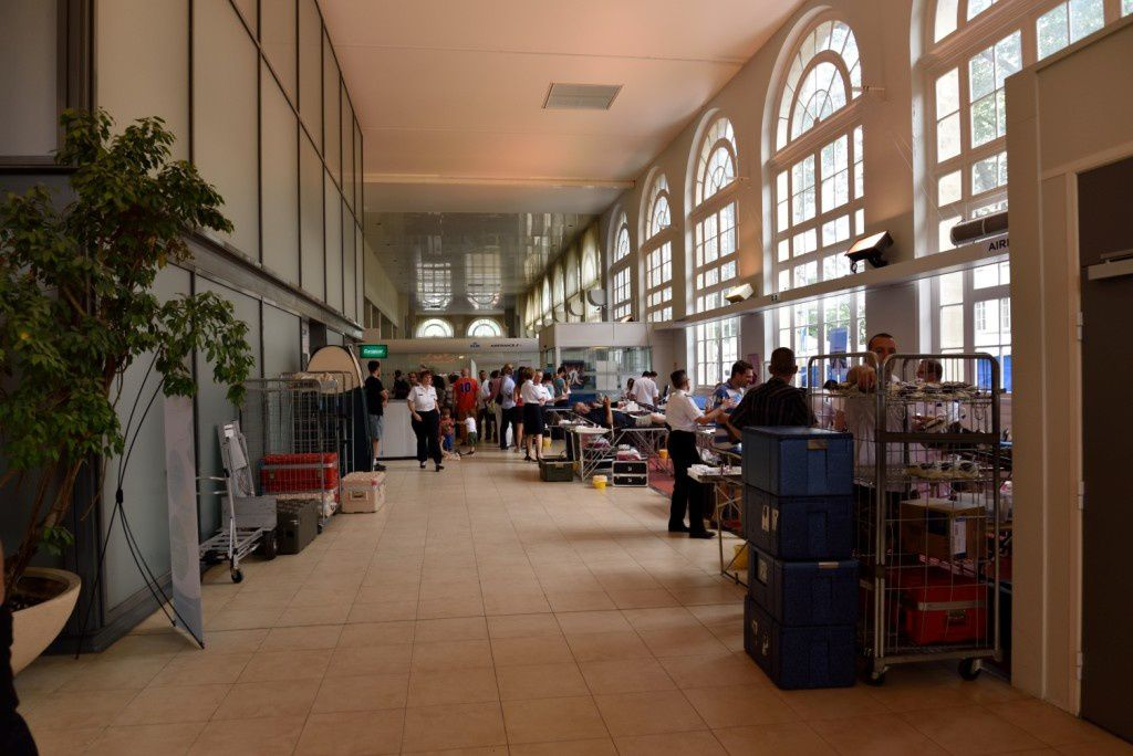 En juillet 2015, la Compagnie Air France avait mis à disposition le terminal des Invalides dans le cadre de la journée du Don du Sang organisée par le CTSA, avec, entre autres, la contribution de la Réserve Citoyenne.