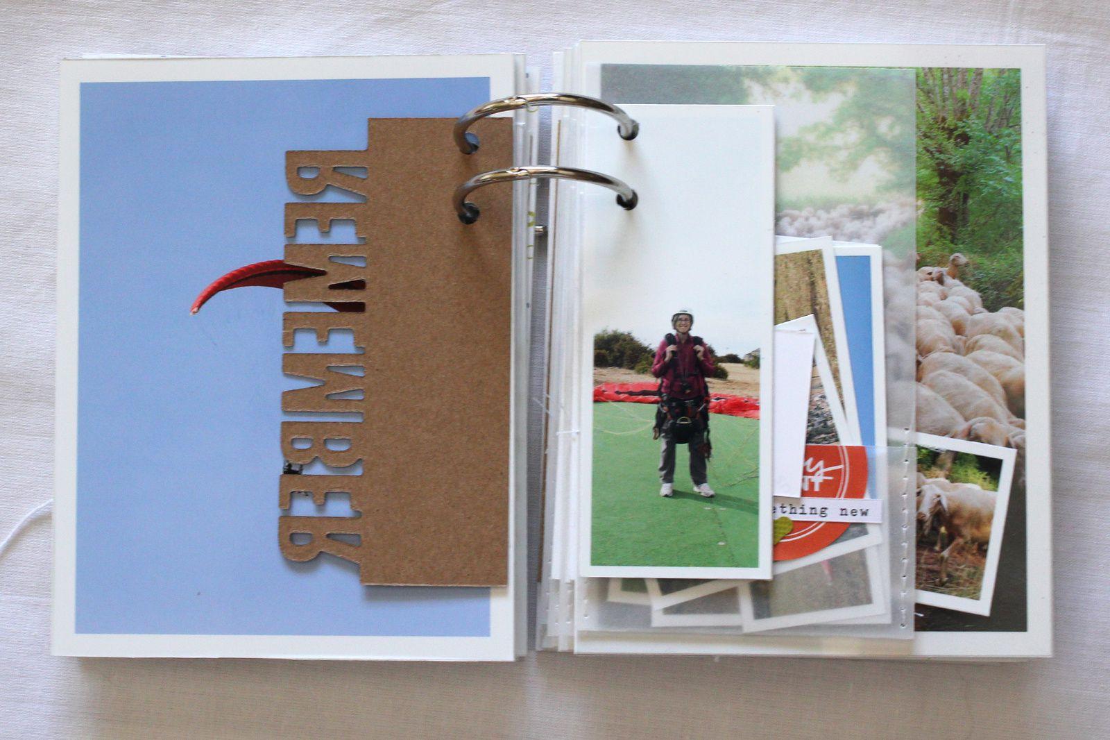 Mini album &quot&#x3B;Sous la tente&quot&#x3B;