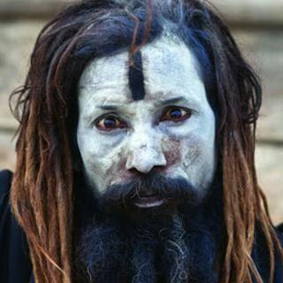 Los Aghori, Los Caníbales se alimentan de cadáveres del rió Ganges