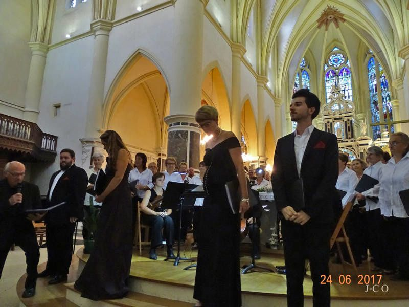 Choristes et orchestre ont émerveillé le public.