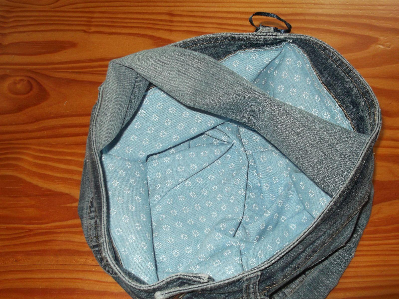 sac cousu a partir d'un jean pour une copine ..