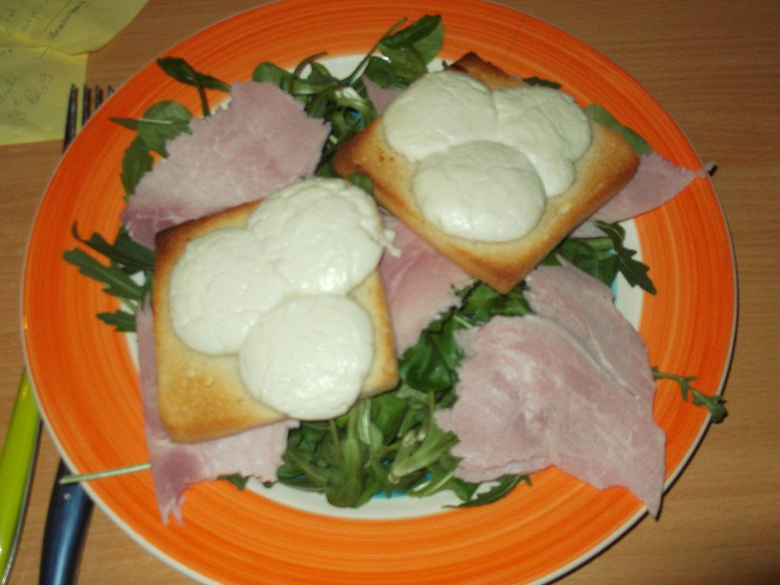 salade + jambon + toasts au chevre