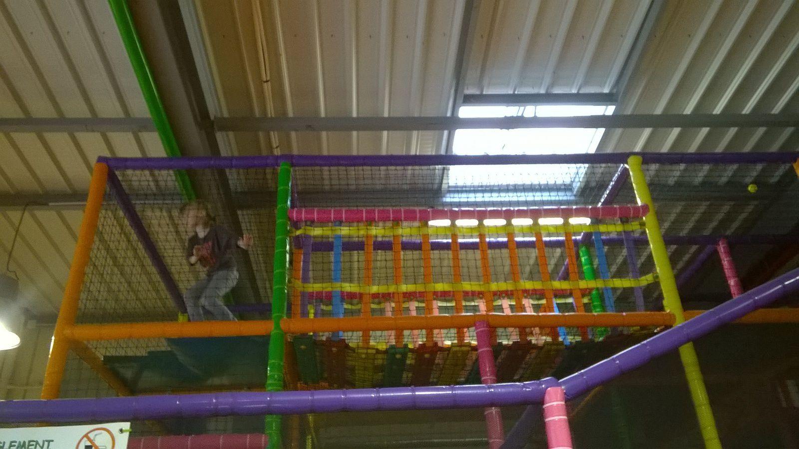 sortie a Arena kids (aire de jeux intérieur) avec les cousines