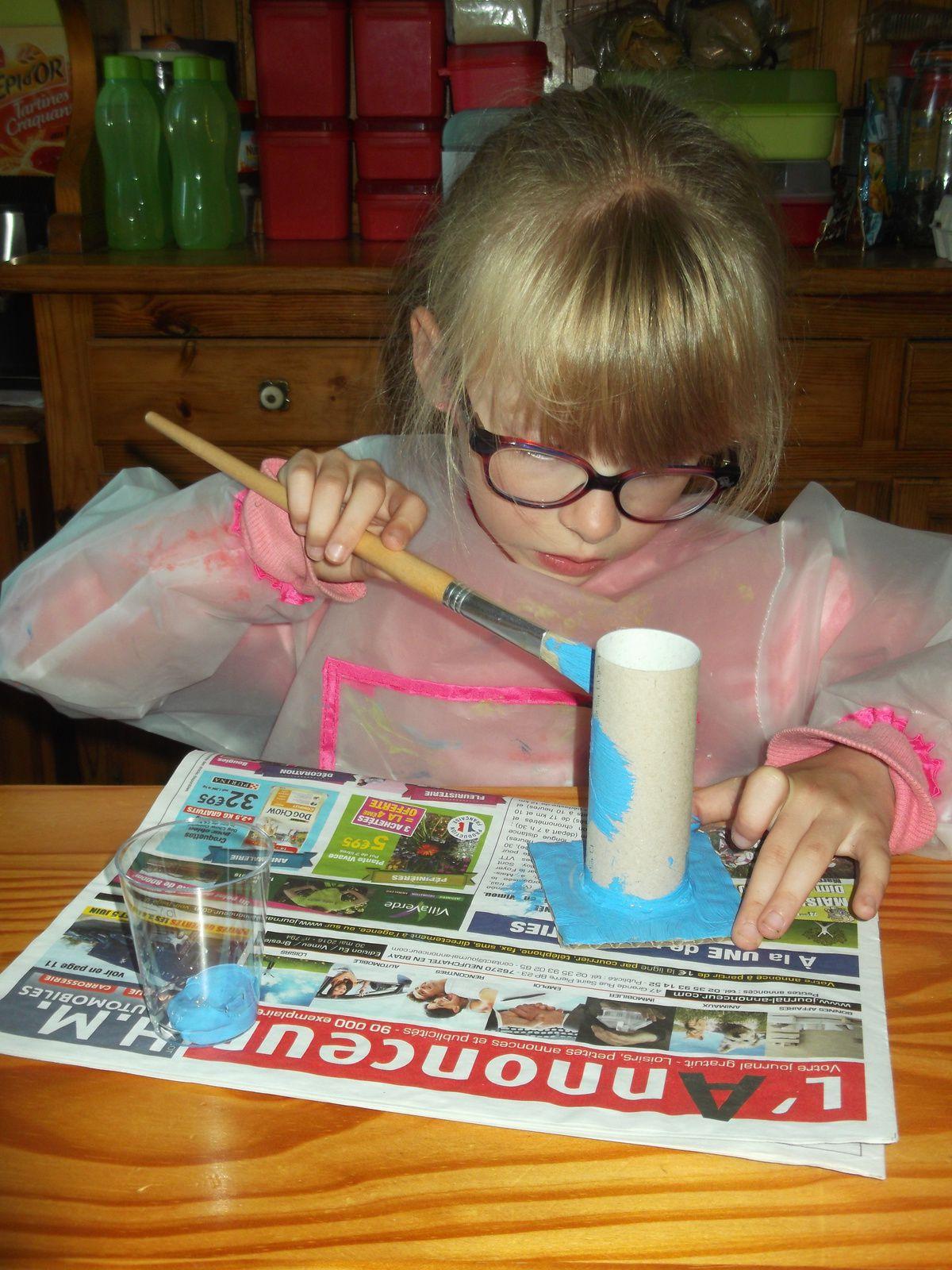 Des pots a crayons pour le maitre et la maitresse de CE1 sur une idée du magasine &quot&#x3B;petites mains&quot&#x3B;