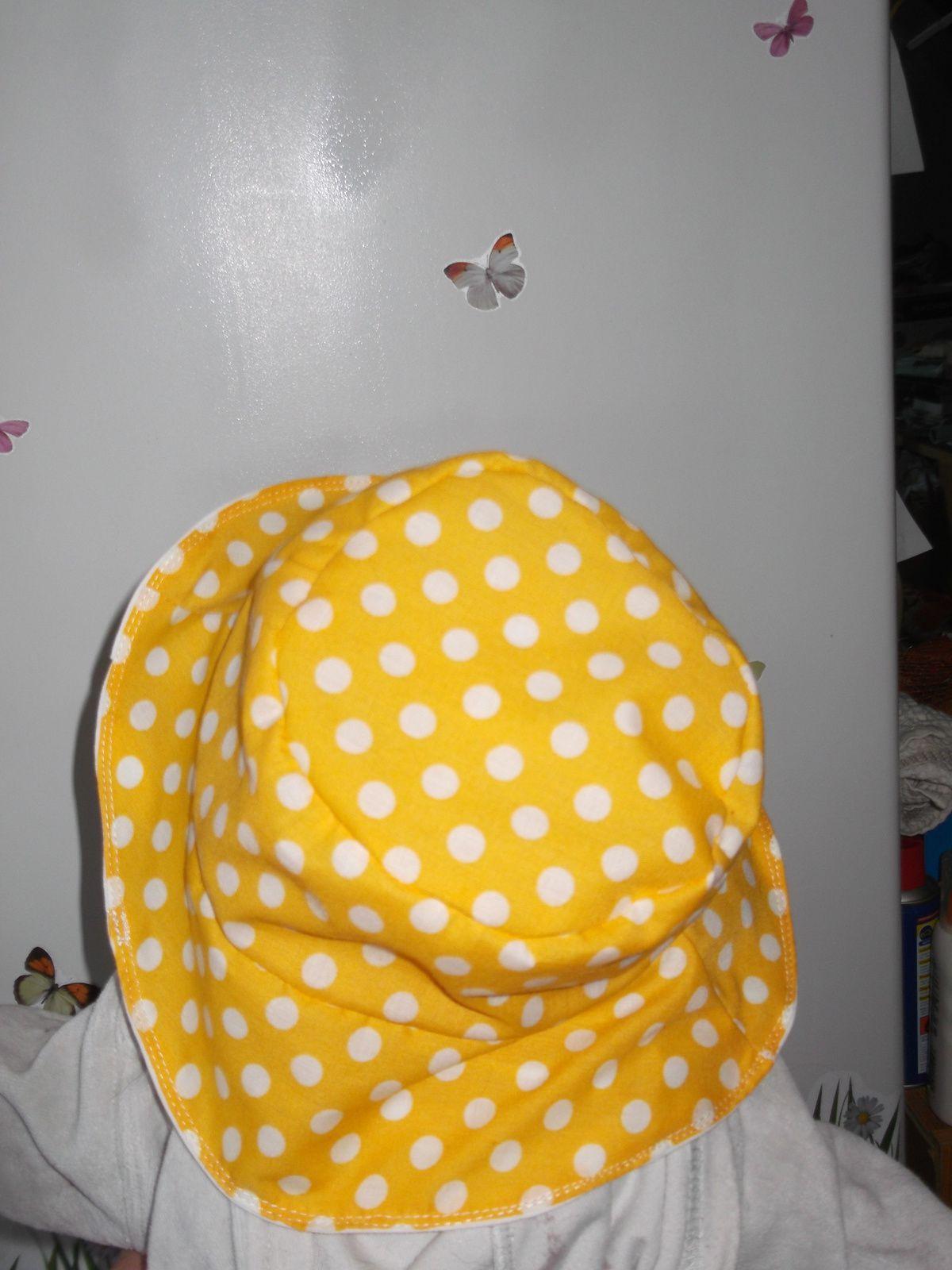 encore un chapeau dans ma boutique a little market le monde de la ptite caro. Black Bedroom Furniture Sets. Home Design Ideas