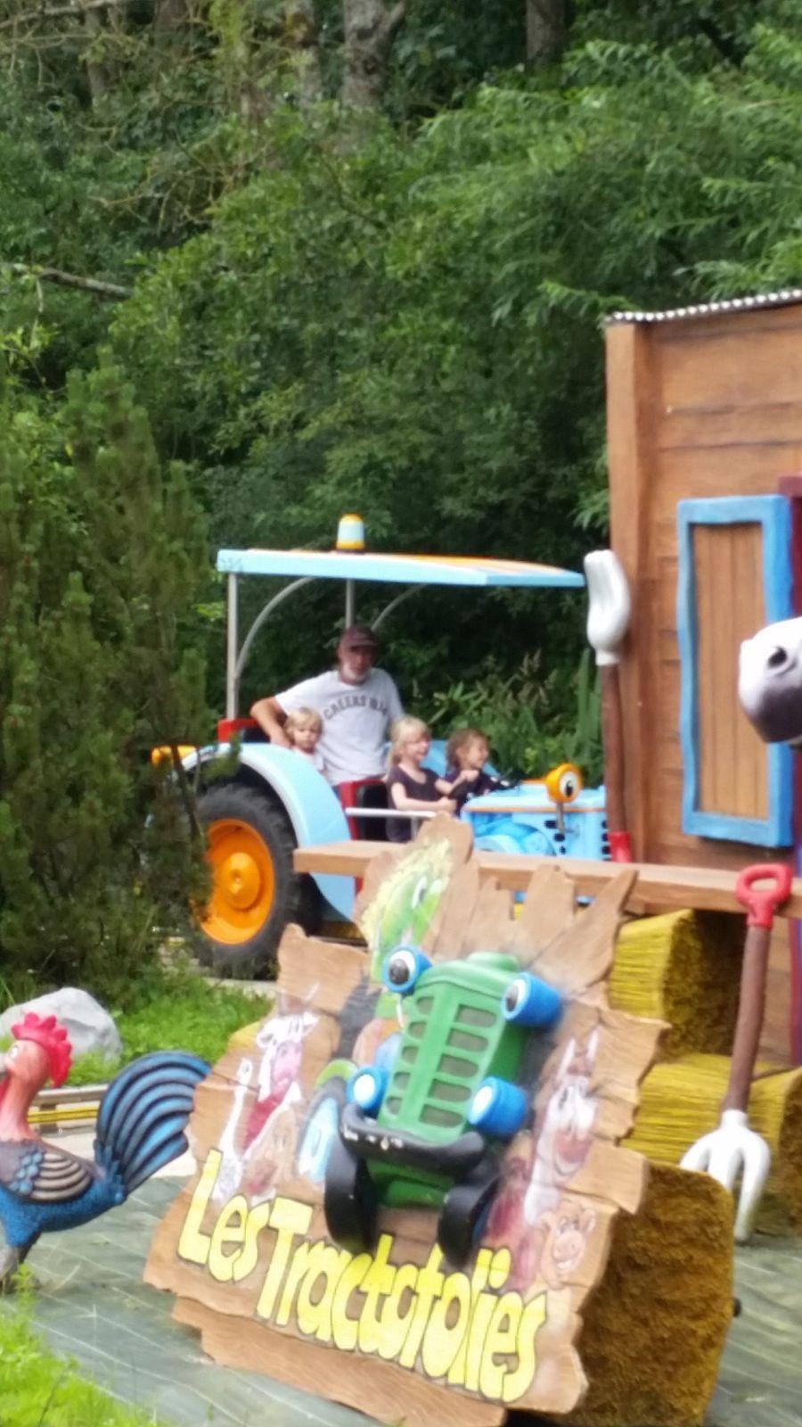 une sortie au parc d'attraction(( http://www.dennlys-parc.com/ ) pendant les vacances d'été