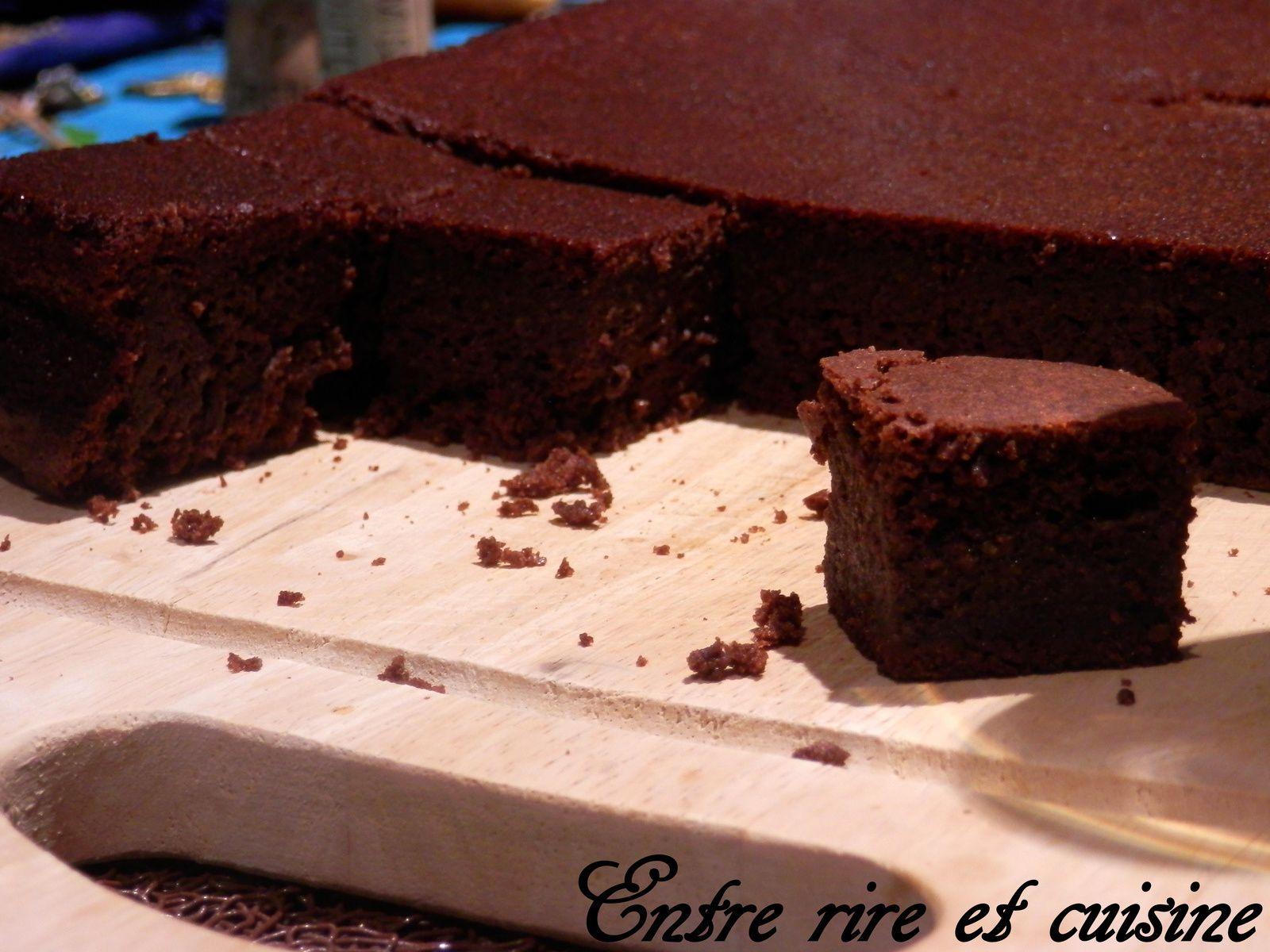Gros gâteau moelleux et fondant au Chocolat
