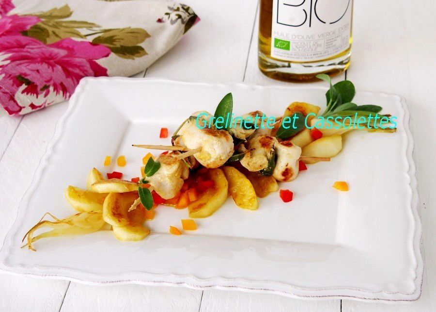 Brochettes de Poulet à la Sauge, Pommes Fruits