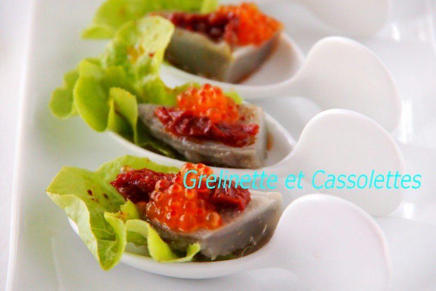 Amuse bouche d'Artichaut Cardinal aux Tomates séchées et Oeufs de Truite