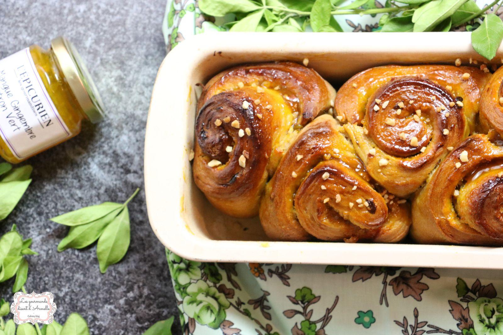 | Brioche aux abricots secs et confiture de mangue | © Les Gourmands {disent} d'Armelle