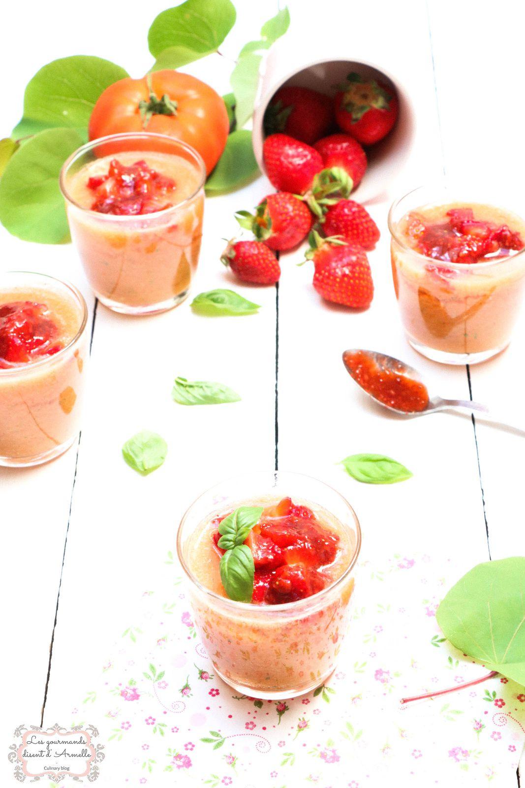 | Soupe froide de tomates, basilic et fraises | © Les Gourmands {disent} d'Armelle