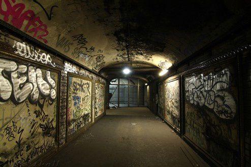 Premier Métro de Paris, Croix-Rouge, France, lieu Abandonné