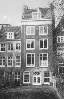 la cachette.... 2. photo actuelle de la maison d'Anne Frank