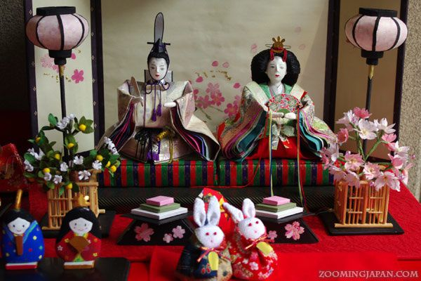 source : http://zoomingjapan.com/culture/hina-matsuri/