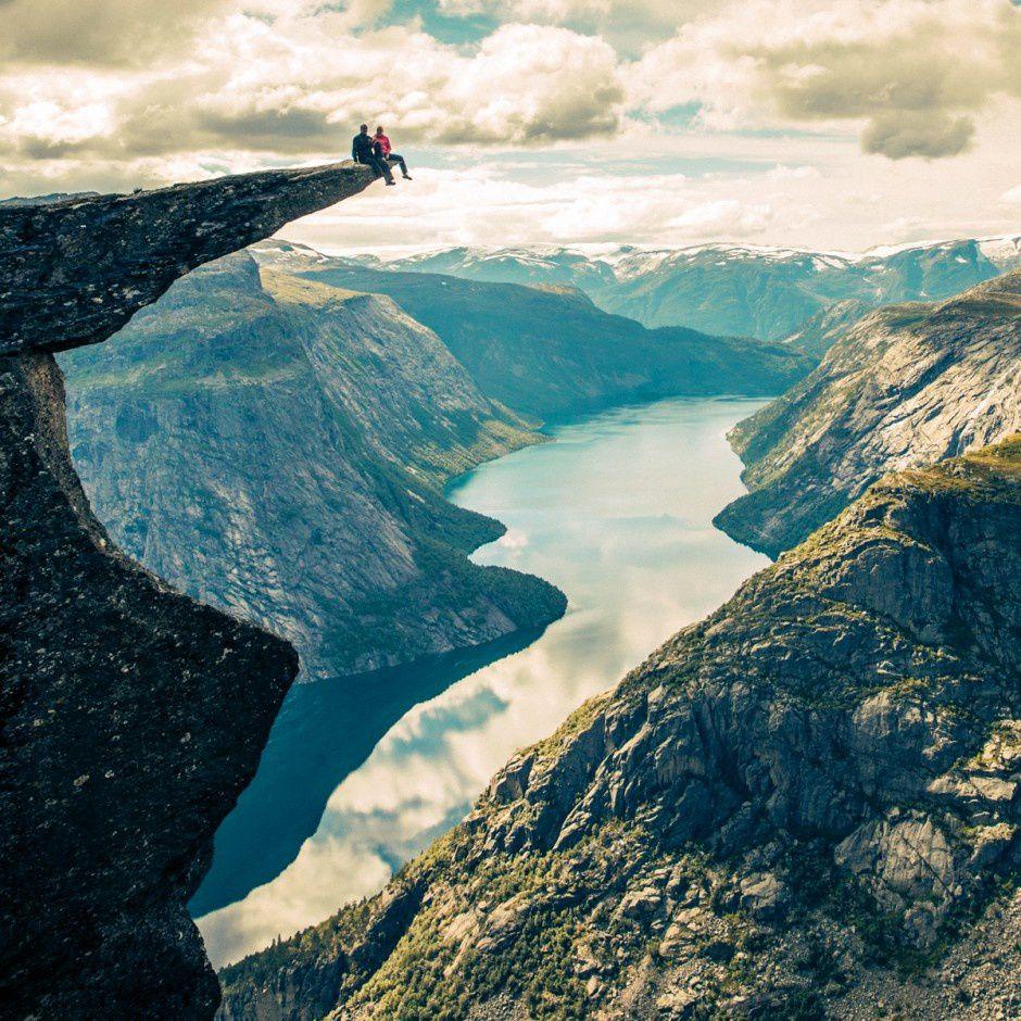 Le rocher de Trolltunga, le précipice le plus terrifiant au monde, Norvège