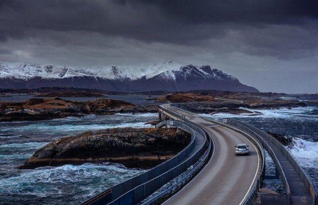La Route de l'Atlantique, Eide et Averoy reliés, route dangereuse, Norvège